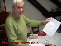 A la retraite, il s'adonne à l'écriture (Saint-Romain-sous-Gourdon)